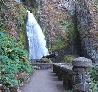 The classic hike here follows a paved 1.1-mile path to the top of the falls. But you can beat the crowds and see half a dozen extra waterfalls if you have the energy for a longer loop to Wahkeena Falls.